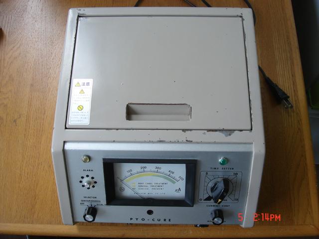 フッ素イオン導入器